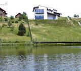Namas ant ežero kranto, prie Grigiškių