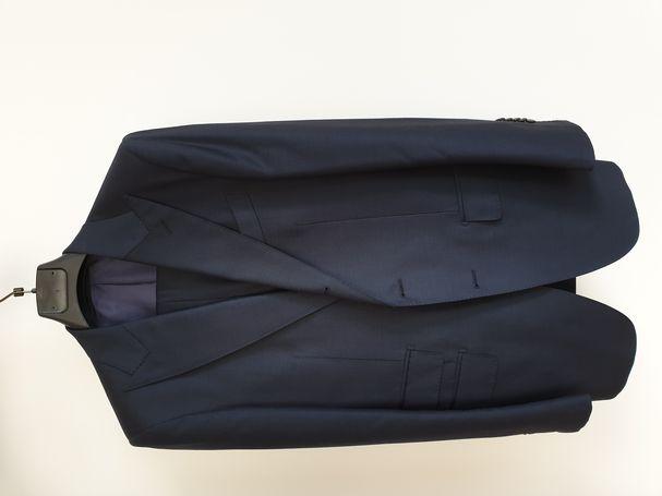 parduodamas aukščiausios klasės Suitsupply kostiumas