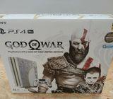 """""""Sony PlayStation 4 Pro God of War 1TB"""" su ribotu belaidžio valdiklio leidimu"""